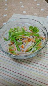 アスパラガスの野菜サラダ