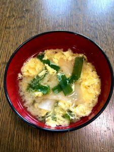 ニラと卵の味噌汁